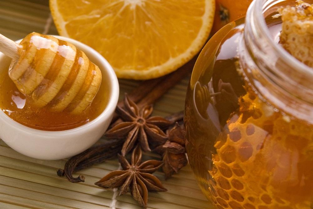 """Il miele, naturale e """"anti-tutto"""""""