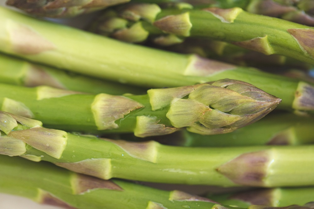 Ortaggi di stagione: benvenuti asparagi!