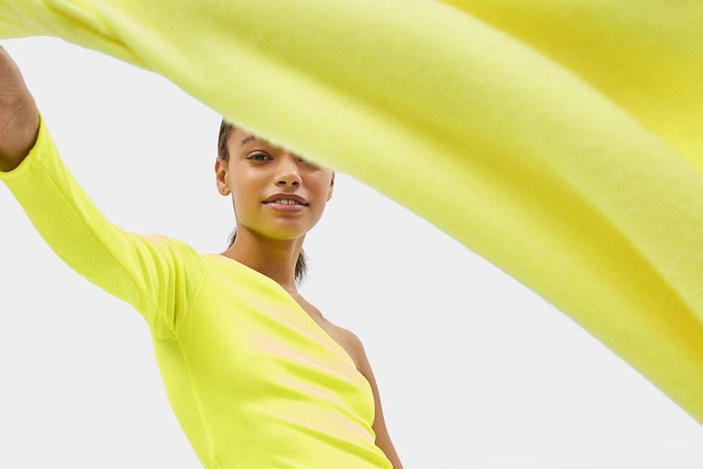 Bershka: un mondo colorato di giallo