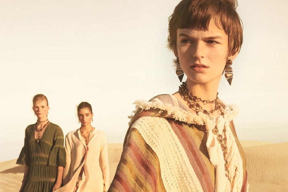 Zara donna, una passerella nel deserto