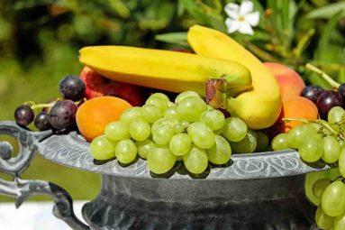 Frutta di stagione con effetto depurativo