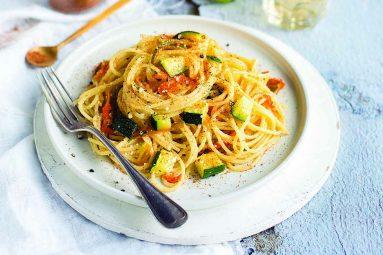Ricette Ipercoop: Spaghetti con fiori di zucca e bottarga